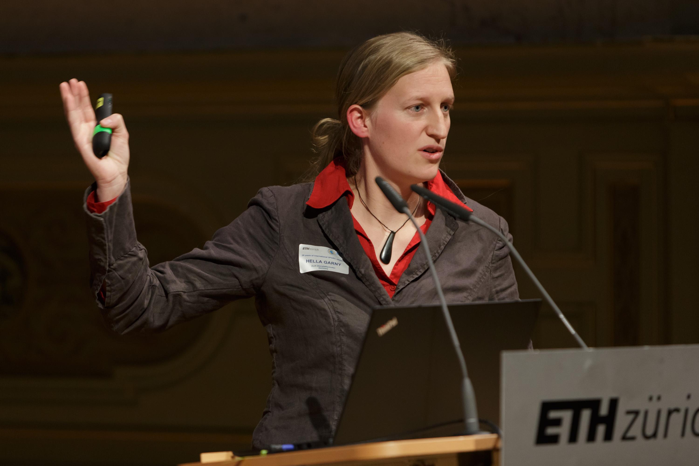 Dr. Hella Garny, DLR.
