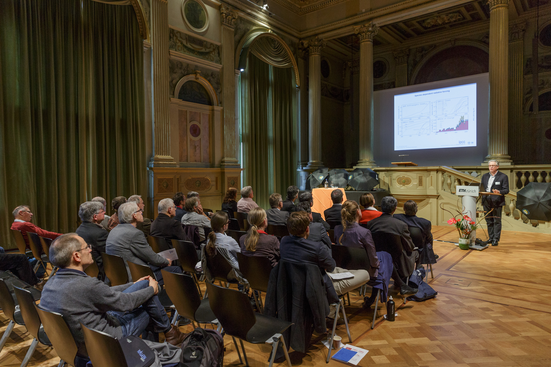 Prof. Dr. Thomas Stocker, University of Berne, during his presentation.