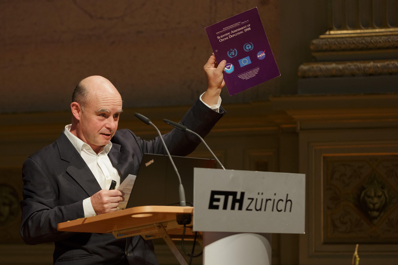 Dr. Stefan Reimann, Empa, ETH Zurich.